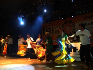 Linha Dura ao lado de gestores culturais e mestres da Cultura de Mato Grosso