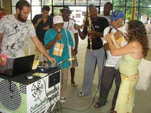 Cantoria, pífano e berimbau realizam intervenção na Rádio Rebuliço